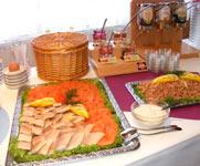 Buffetausschnitt mit Fisch